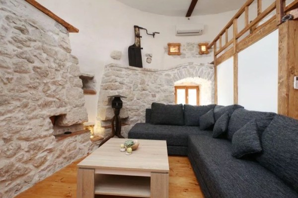 Stone Tower Cabin in Croatia 004
