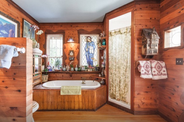 hippie studio bathroom