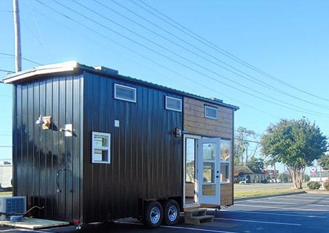 texas-style-house-full-of-windows-004