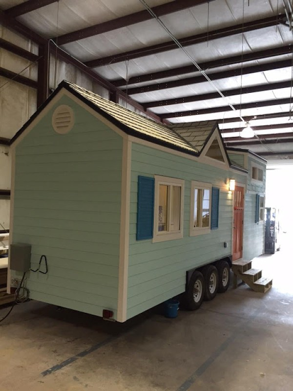 The Fontana Beach Tiny House 011