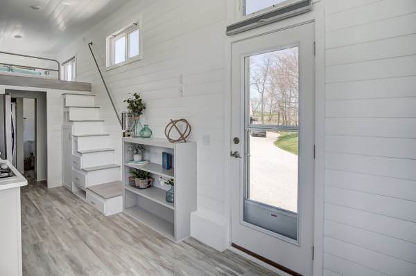 The Fox 28ft Tiny House by Modern Tiny Living 0013