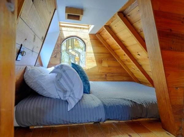 The Hobbit Houseboat 008