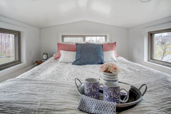 The Pearl Tiny House by Modern Tiny Living 0028