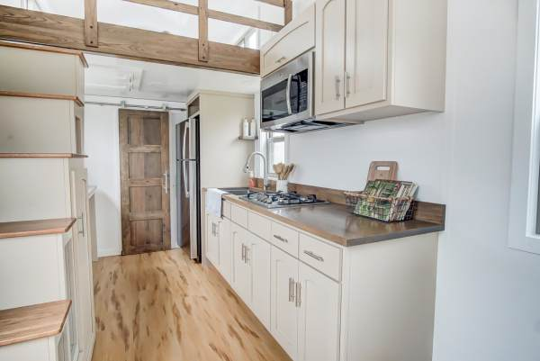 The Pearl Tiny House by Modern Tiny Living 003