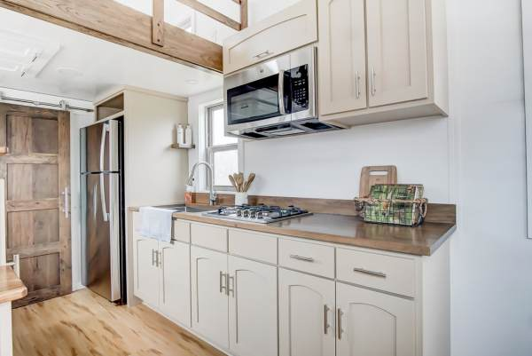 The Pearl Tiny House by Modern Tiny Living 007