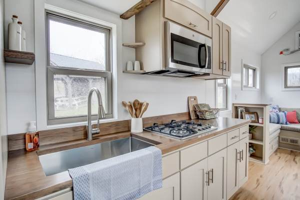 The Pearl Tiny House by Modern Tiny Living 009