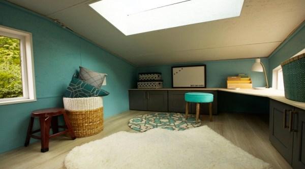 the-poker-night-tiny-house-004