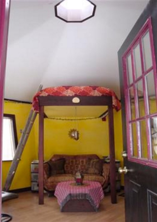 Tiny Adirondack Yurt Cabin 002