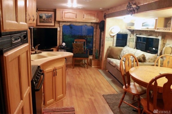 760 Sq. Ft. Tiny Cabin, Extra Studio, AND Additional Travel Trailer Cabin
