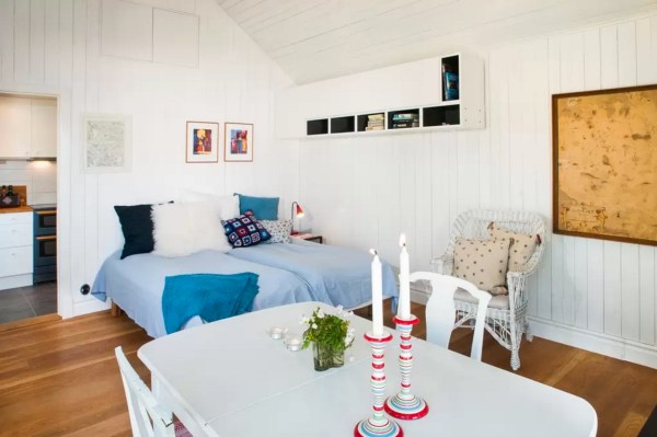 Tiny Bungalow by the Sea in Sweden 0017