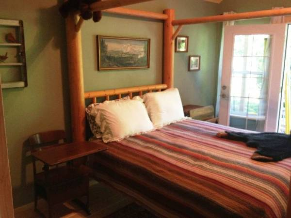 Tiny Cabin For Sale in Graham 006