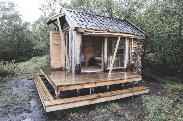 Tiny Cabin in Norway 001