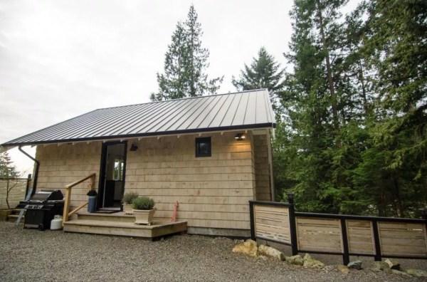 Tiny Coastal Cottage in Canada 001