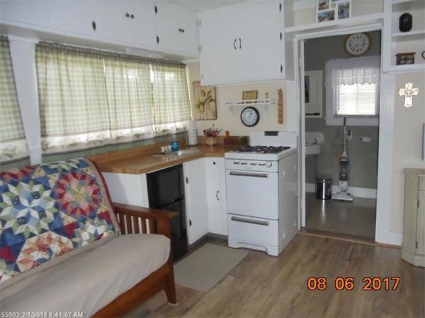 Tiny Cottage Madison Maine 002