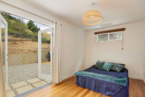 Tiny Cottage in Los Angeles For Sale via TinyHouseTalk-com 005