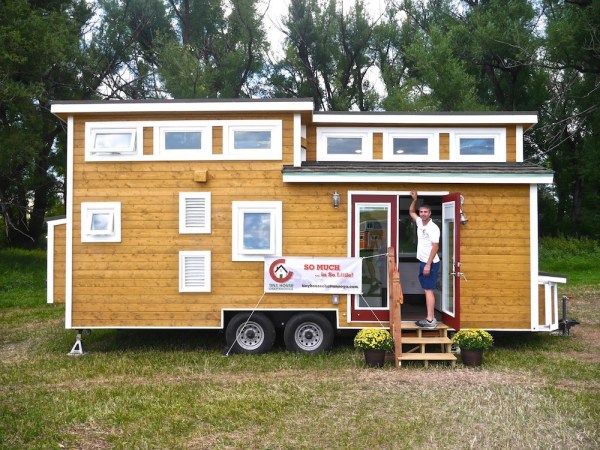 24' Luxury Tiny Home on Wheels by Tiny House Chattanooga