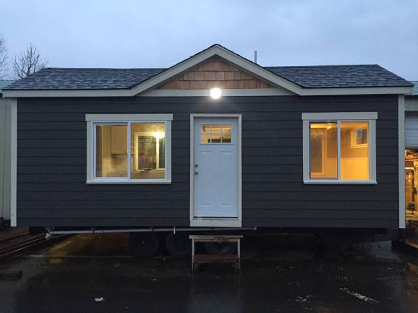 Tiny House For Rent in Battle Ground Oregon 001