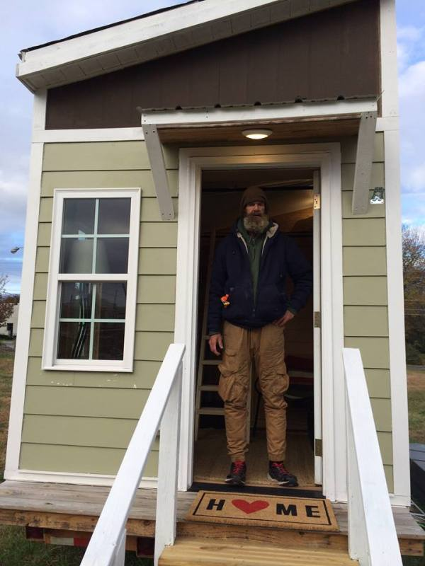 tiny-house-greensboro-for-the-homeless-9