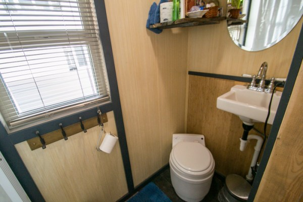 Tiny House Vacation in Golden Colorado 004