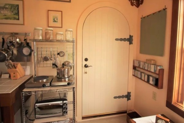 tiny-house-in-vermont-on-10-acres-002