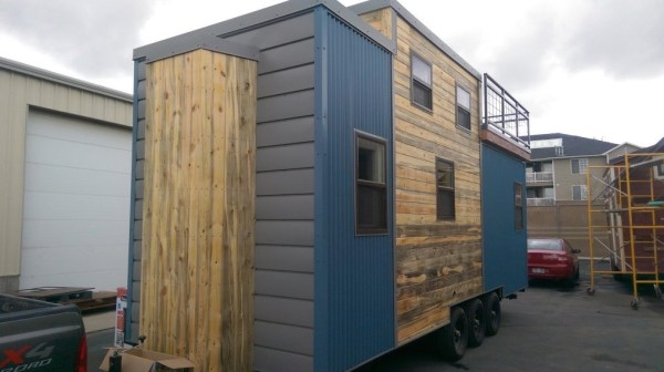 Tiny House on Wheels with Rooftop Access 003