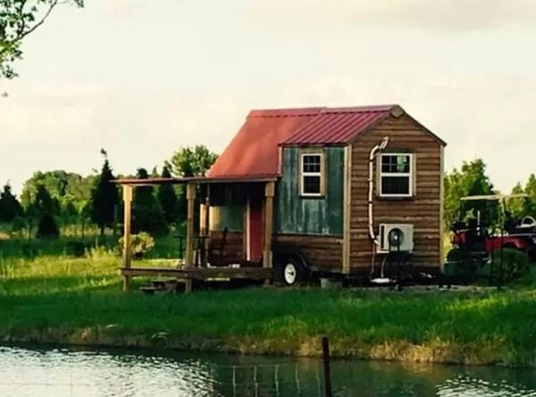 Tiny House on a Christmas Tree Farm 001b