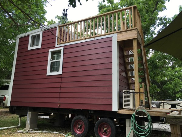 Tiny House with Rooftop Balcony For Sale 0043