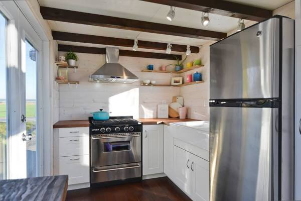 Tiny Living Homes Custom THOW with Double Vanity Sink and Full Kitchen 009