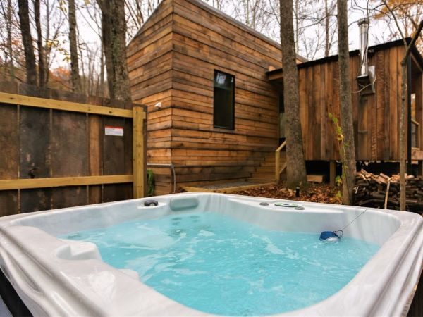 Tiny Modern Rustic Tiny Cabin Vacation near Asheville NC 0018