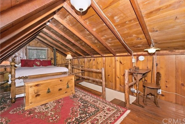 Tiny Mountain Cabin in Idyllwild California For Sale with Land 0013