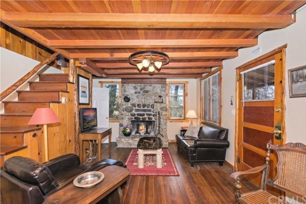Tiny Mountain Cabin in Idyllwild California For Sale with Land 004