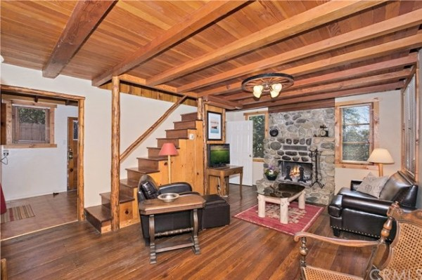 Tiny Mountain Cabin in Idyllwild California For Sale with Land 006