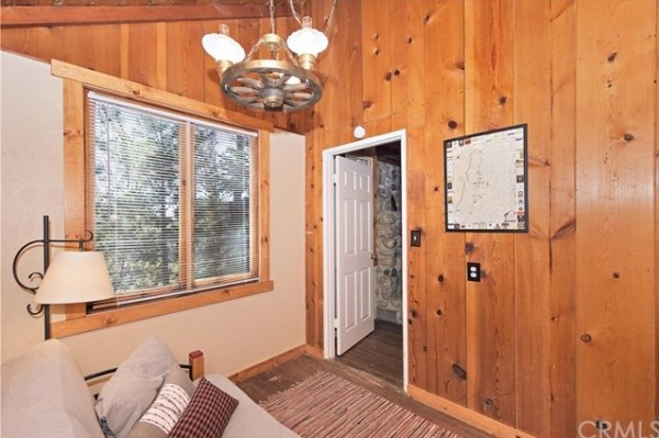Tiny Mountain Cabin in Idyllwild California For Sale with Land 008