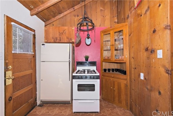 Tiny Mountain Cabin in Idyllwild California For Sale with Land 009