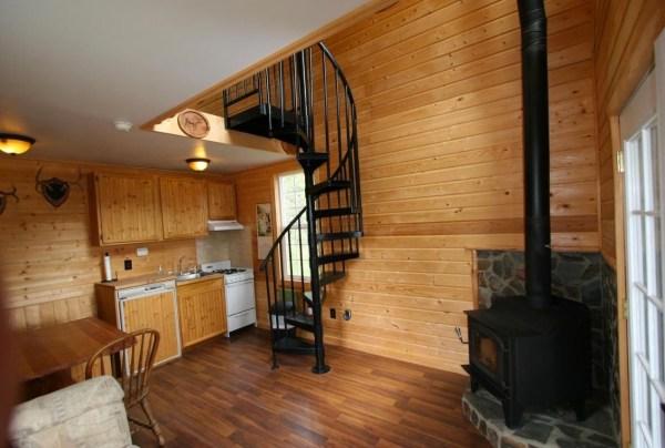 Tiny Newport Cabin 002