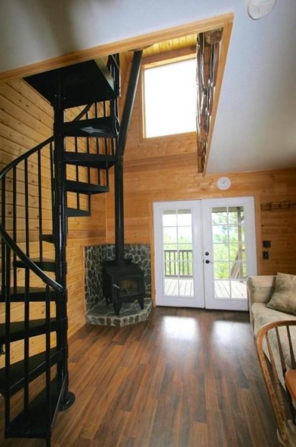 Tiny Newport Cabin 008