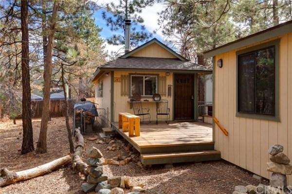 tiny-sugar-loaf-cabin-001