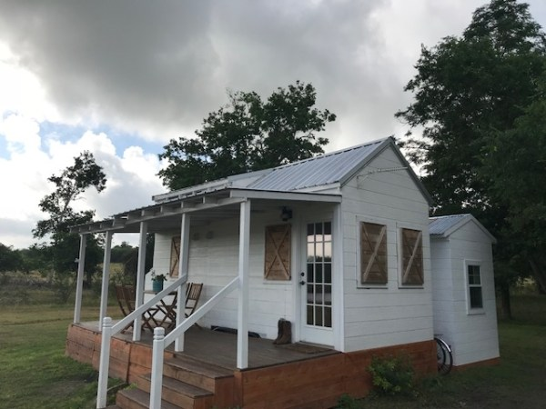 Tiny Texas Farmhouse For Sale with Detached Office 0015