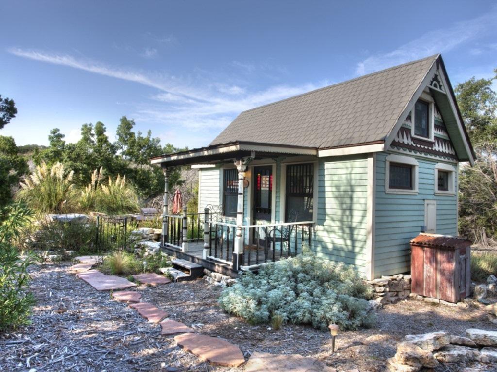 Tiny Texas House Vacation In Canyon Lake