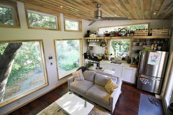Tiny Urban Cabin 002