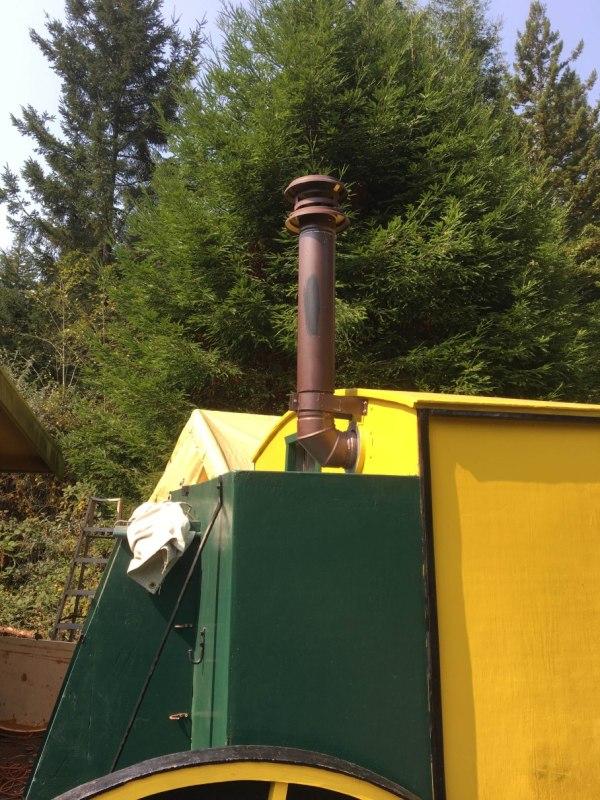 tonys-amazing-old-fashioned-trailer-coach-tiny-house-007