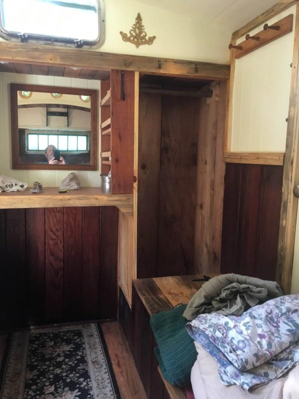 tonys-amazing-old-fashioned-trailer-coach-tiny-house-008