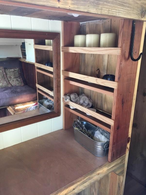 tonys-amazing-old-fashioned-trailer-coach-tiny-house-011