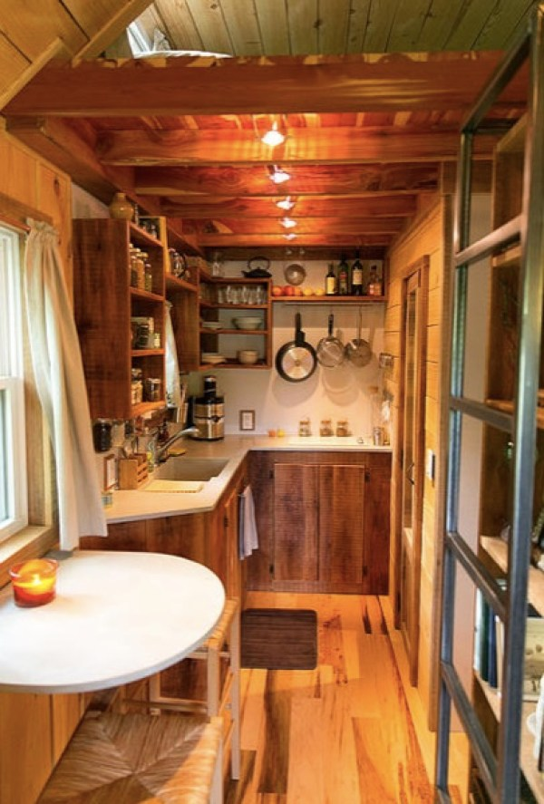 Travis-Brittany-Tiny-204-Sq-Ft-Home-006