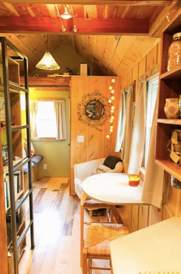 Travis-Brittany-Tiny-204-Sq-Ft-Home-007