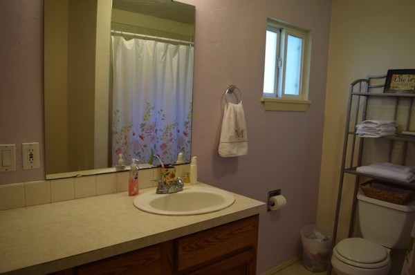 Two Bedroom Cottage For Sale in Shelton 009