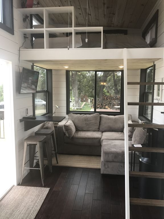 Two Waterfront Tiny Homes on Lake Travis Vacation Rentals_006