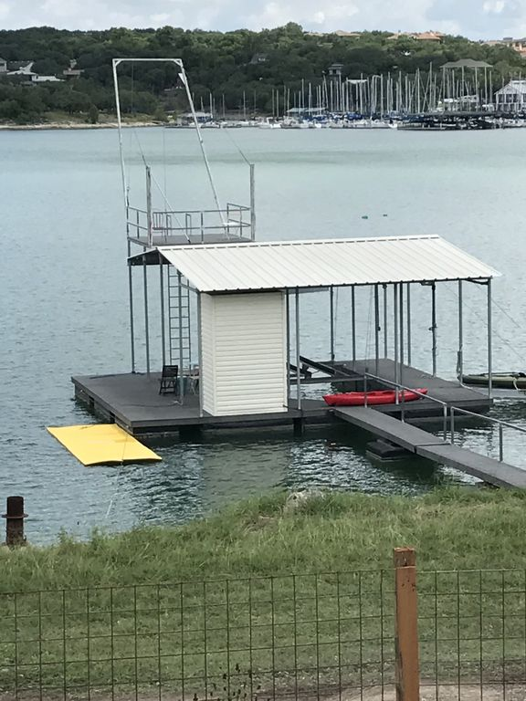 Two Waterfront Tiny Homes on Lake Travis Vacation Rentals_016