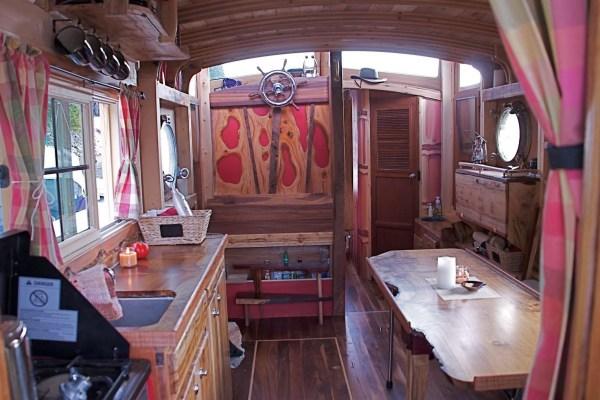 WaterWoody Houseboat 002