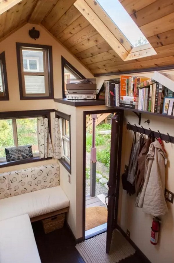 Woman Designs-Builds her own Pocket Mansion Tiny House 002